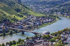 Moselle flodstrand i den Cochem Tyskland Arkivbilder