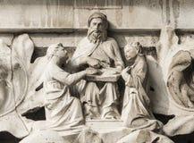Moses undervisar lagen av guden royaltyfria foton