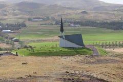 Mosfellskirkja, eine der vielen isländischen Kirchen Stockfotografie