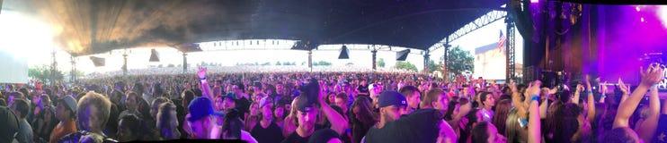 Mosh Pit Crowd no concerto imagem de stock royalty free