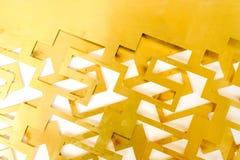 Mosiężnego prześcieradła rżnięta geometria na białym tle Zdjęcia Stock