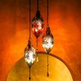 Mosiężny lampion z Żywym tłem Fotografia Stock