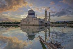 moské för stadskinabalukota Arkivfoton