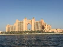Moské i den Dubai dagen Fotografering för Bildbyråer