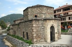 Moské i Prizren, Kosovo Royaltyfria Foton