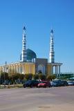 Moské i staden av Uralsk, Kasakhstan royaltyfri bild