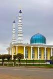 Moské i staden av Uralsk, Kasakhstan arkivbilder