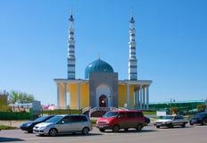 Moské i staden av Uralsk, Kasakhstan fotografering för bildbyråer