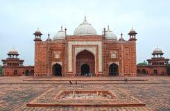 Moské i Taj Mahal Arkivfoto