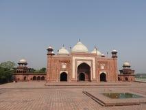 Moské i territoriet Taj Mahal, Indien arkivfoton