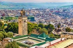 Moské på Bab Guissa Gate i Fez, Marocko royaltyfria foton