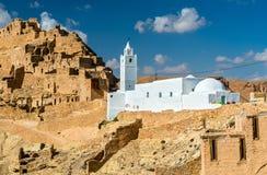 Moské på Chenini, en stärkt Berberby i sydliga Tunisien Fotografering för Bildbyråer