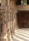 Moské Qutb Minar, Delhi Royaltyfria Bilder