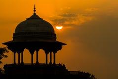 Moskén Kau Ban nära Taj Mahal royaltyfria foton