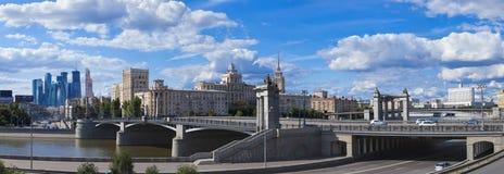 Moskau-Architektur: von Vergangenheit zu Zukunft Stockbild