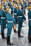 Soldaten mit Gewehren der Ehrenwache des Präsidentenregiments Stockfoto