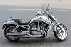 Moskau. Das Harley-Davidson-Motorrad Lizenzfreies Stockfoto
