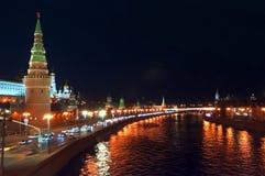 Moskau der Kreml nachts Stockbild