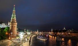 Moskau der Kreml nachts Sommer Stockbilder