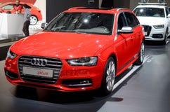 MOSKAU - 29 08 2014 - Des internationalen rote Autos Automobil-Salons Automobil-Ausstellungs-Moskaus auf Ausstellung in seinem ga Lizenzfreie Stockfotografie