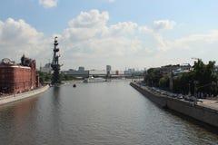 Moskau Fluss- und Prechistenskaya-Damm Lizenzfreies Stockfoto