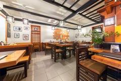 MOSKAU - JULI 2014: Innenkettensushi-restaurant Stockfotografie