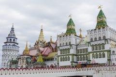 MOSKAU - 4. JUNI: Kulturell-Unterhaltung der komplexe Kreml in Izma stockfotografie