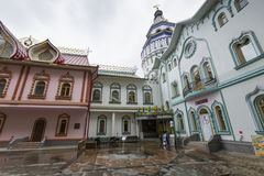 MOSKAU - 4. JUNI: Kulturell-Unterhaltung der komplexe Kreml in Izma lizenzfreies stockbild