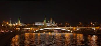 Moskau Kremlin in der Nacht Lizenzfreies Stockbild