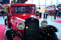 MOSKAU - 9. MÄRZ 2018: Löschfahrzeug PMG-1 1932 an der Ausstellung alt Stockfotografie