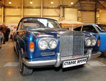 MOSKAU - 9. MÄRZ: Silberne Wolke I Radford E Retro Auto Rolls Royce Lizenzfreies Stockbild