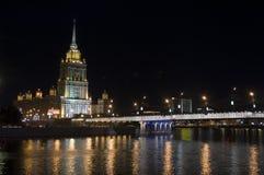 Moskau-Nachtansicht, Hotel Ukraine (2) Stockfoto