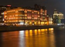 Moskau nachts, Moskau-Fluss Lizenzfreie Stockbilder