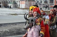 Moskau, Russische Föderation, am 10. März 2019: Maslenitsa in der Mitte der russischen Hauptstadt lizenzfreies stockbild