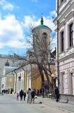 Moskau, Russland, April, 15, 2017 Die Kirche des Heiligen Theodore Stratelate in Arkhangelsky-Weg Lizenzfreie Stockfotografie