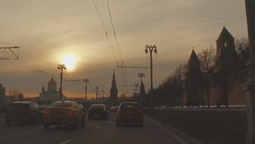 MOSKAU, RUSSLAND - 28. Februar 2016: Ansicht vom Kreml und von der Kreml-Damm stock video footage
