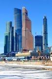 Moskau, Russland - 14. Februar 2019: Expocenter und Geschäftszentrum-Moskau-Stadt Moskaus internationale lizenzfreies stockfoto