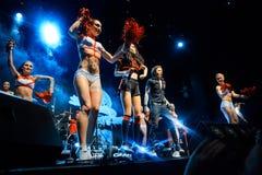 MOSKAU, RUSSLAND - 25. FEBRUAR 2017: Russische alternative NUmetall-rapcore Band SCHLITZ-Ausführung Live an Yotaspace-Club 0 im F lizenzfreies stockfoto