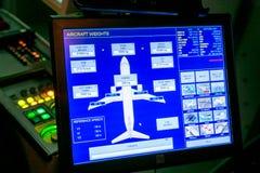 Moskau, Russland - 18. Februar 2015: Wirklicher Flug-hydraulischer Simulator für das Training der Piloten stockbilder