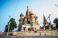 Moskau, Russland - Juli 2016 Kathedrale von Vasily gesegnet stockfotos