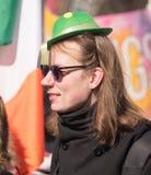 MOSKAU, RUSSLAND - 24. MÄRZ 2018: Leute feiern den TAG des HEILIGEN PATRICK Lizenzfreies Stockfoto