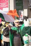 MOSKAU, RUSSLAND - 24. MÄRZ 2018: Leute feiern den TAG des HEILIGEN PATRICK Lizenzfreie Stockfotos