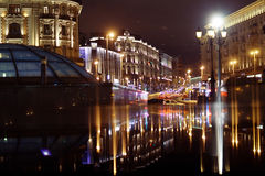 Moskau, RUSSLAND - 31. März: Nachtlandschaft im Vorfrühling im Stadtzentrum in Moskau am 31. März 2014, in Moskau Lizenzfreie Stockfotografie