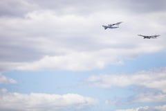 Moskau, Russland - 5. Mai 2015: Flug von russischen Flugzeugen Lizenzfreies Stockbild
