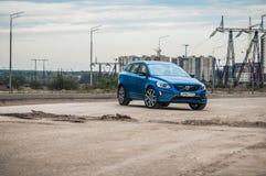 MOSKAU, RUSSLAND - 20. Mai 2017 POLESTAR VOLVOS XC60, VorderSideansicht Test von neuem Polestar Volvos XC60 Dieses Auto ist AWD k Stockbilder
