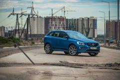 MOSKAU, RUSSLAND - 20. Mai 2017 POLESTAR VOLVOS XC60, VorderSideansicht Test von neuem Polestar Volvos XC60 Dieses Auto ist AWD k Lizenzfreie Stockfotografie