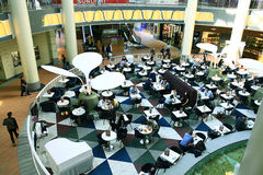 Moskau, RUSSLAND - 11. September: Einkaufszentrensupermarkt am 11. September 2015 Lizenzfreie Stockfotos