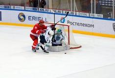 MOSKAU, RUSSLAND - 27. SEPTEMBER 2016: Matt Gilroy ( 97) in der Aktion Lizenzfreie Stockbilder