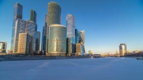 Moskau-Stadt im Winter an Sonnenuntergang timelapse stock footage