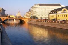 Moskau-Stadt und Fluss. Lizenzfreie Stockfotos